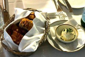 ホイップ・バターとパン